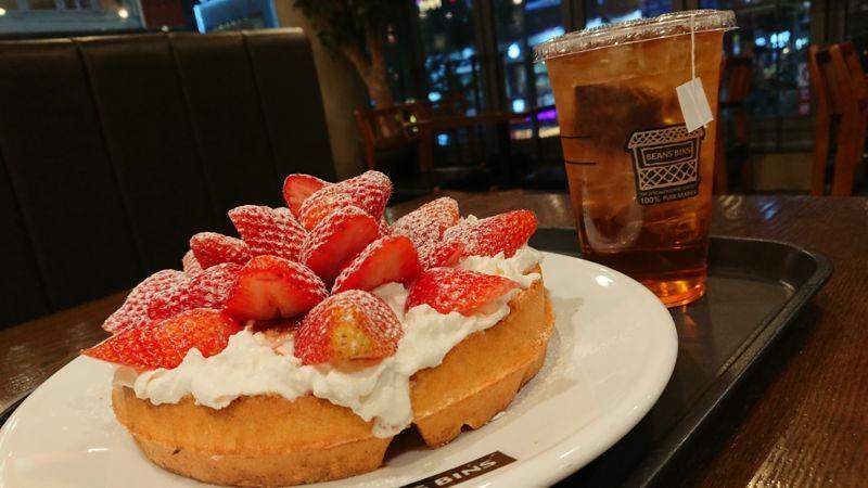 「韓国ソウルでおすすめのイチゴスイーツ【BEANSBINS COFFEE】」のアイキャッチ画像