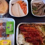 中国南方航空エコノミー(羽田⇒広州⇒クライストチャーチ)の機内食や機内モニターを徹底レビュー!