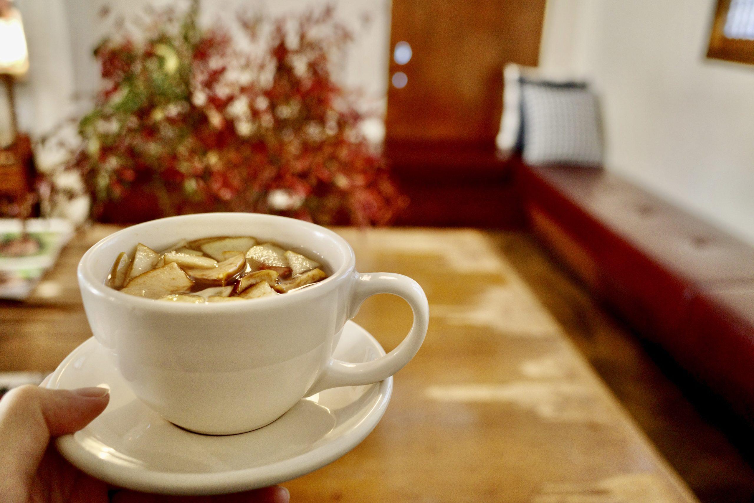 「永登浦で行きたい朝カフェ!Season Coffee & Bakeで蜂蜜漬け入りのホームメイドティーを」のアイキャッチ画像