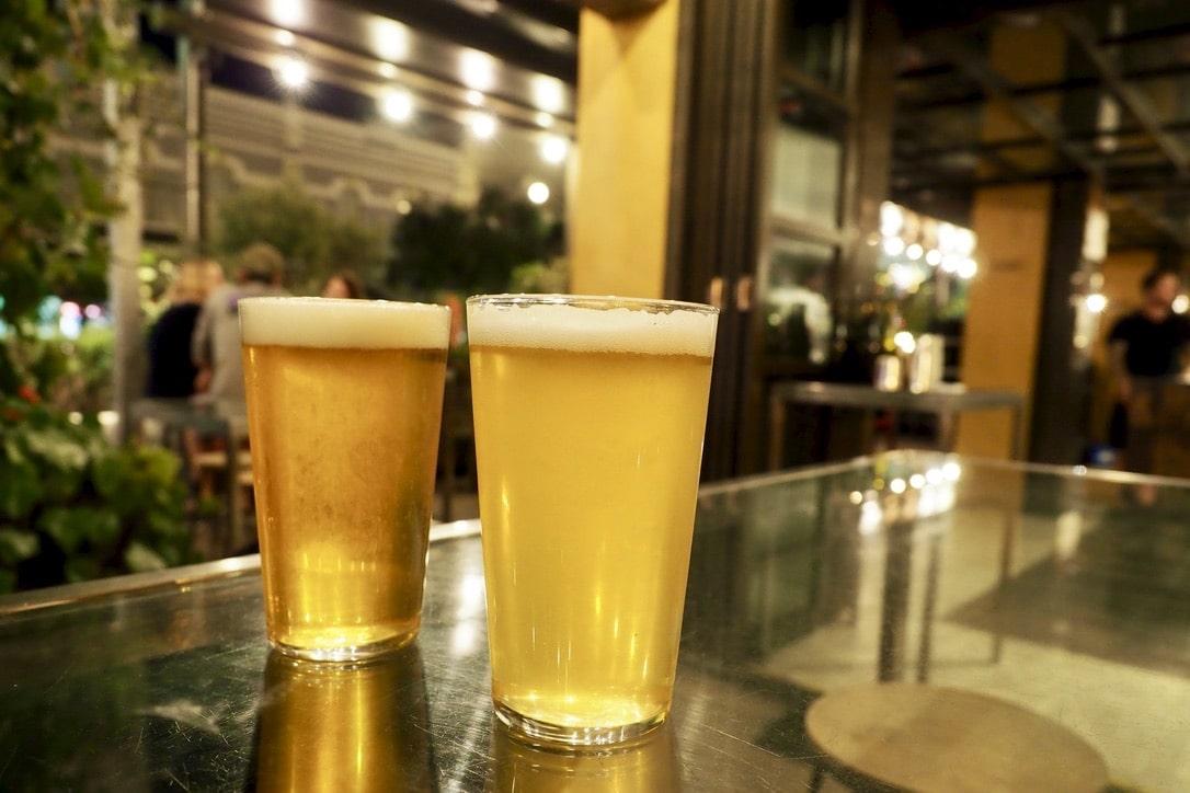「フリーマントルで美味しいクラフトビールが飲めるビアレストラン3選」のアイキャッチ画像